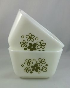 Vintage Pyrex Refrigerator Dishes 501 B, 1 1/2 Cup Pyrex Fridgies Without Lids…