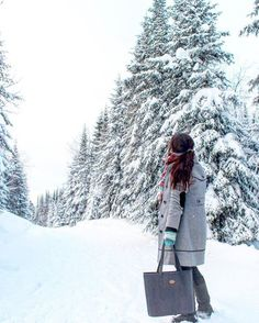 I was finding myself in front of my closet full of clothes and accessories, with an overwhelming feeling to have nothing to wear. Alpine Style, I Am Happy, How To Make, How To Wear, Winter, Instagram Posts, Easy, Closet, Accessories