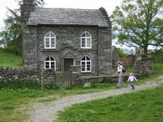 Cute Lakeland house we passed on our walk to Tarn Hows