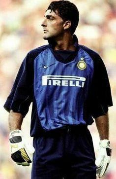 Gianluca PAGLIUCA; Sampdoria '87-94, INTER 1994-1999, Bologna '99-2006, Ascoli '06-07