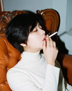 lee joo-young / 이주영 I'm gonna fuckign die Lee Joo Young Hair, Lee Joo Young Actress, Korean Girl, Asian Girl, K Wallpaper, Weightlifting Fairy Kim Bok Joo, Girl Smoking, Korean Actresses, Ulzzang Girl