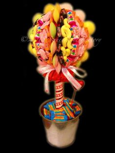 Sweet tree Chocolate Wedding Favors, Chocolate Bouquet, Wedding Favours, Sweet Trees, Candy Cart, How To Make Chocolate, Homemade Gifts, Event Planning, Wedding Stuff