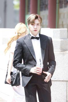 Prince Daniel, Blazer, Public, Kpop, Twitter, Fashion, Moda, Fashion Styles, Blazers