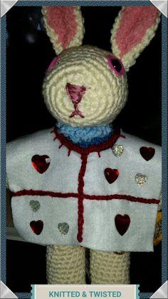 White Rabbit - Alice in Wonderland White Rabbit Alice In Wonderland, Winter Hats, Christmas Ornaments, Holiday Decor, Crochet, Characters, Home Decor, Amigurumi, Christmas Ornament