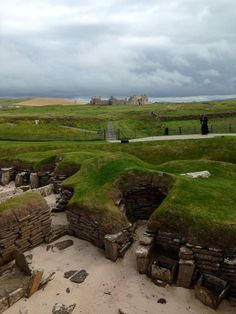 Fantastic RT @kirstylilley: Neolithic meets 17th century with Skara Brae and Skaill House side by side in Orkney! pic.twitter.com/LNiRkKFHcs