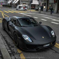 Luxury Sports Cars, Best Luxury Cars, Sport Cars, Bmw Sport, Porsche Girl, Black Porsche, Porsche Sports Car, Mercedes Sport, Porsche Classic