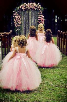 What's better than a flower girl in a massive pink tutu? Five flower girls in massive pink tutus. Girls Tutu Dresses, Tutus For Girls, Big Dresses, Princess Dresses, Tutu Skirts, Pageant Dresses, Flower Girl Tutu, Flower Girl Dresses, Flower Girls