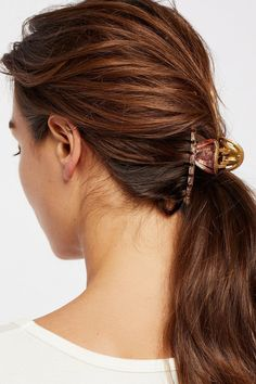 Sorbet Fine Hair Claw at Free People Clothing Boutique Human Lace Wigs, Human Wigs, Balayage Brunette, Balayage Hair, Ombre Hair, Hair Magazine, Hairstyle Magazine, Lace Hair, African American Hairstyles