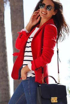 Conjunto chaqueta roja, jersey a rayas y tejanos #misconjuntos #conjuntosmoda #modafemenina #fashion #style #looks