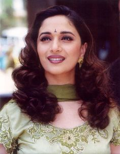 Great Photos Madhuri dixit Tips Vandana Puthanveettil has an elaborate Hobby: she is a part-time solo dancer. She has been trainin Black Hair Knots, Raveena Tandon Hot, Madhuri Dixit Hot, Beauty Forever, Beautiful Bollywood Actress, Indian Celebrities, South Indian Actress, India Beauty, Timeless Beauty