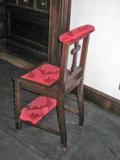 objetosdoutrostempos: Para joelhar e sentar...na igreja!
