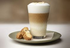 Dotted with almond pieces and swirled with creamy vanilla ice cream, this Vanilla Almond Croquant Caffè recipe is truly one of a kind. Try out this unique Nespresso creation for yourself! Coffee Drink Recipes, Tea Recipes, Coffee Drinks, Espresso Drinks, Espresso Coffee, Coffee Latte, Iced Coffee, Mini Desserts, Gourmet