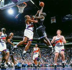 Shaq dunking on Sir Charles