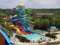 Enjoy the adrenaline rush of the thrill rides at Geauga Lake's Wildwater Kingdom in Aurora, Ohio, including Liquid Lightning and Thunder Falls.