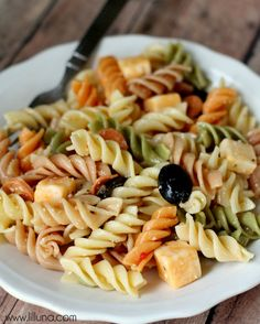 Easy Pasta Salad | Lil' Luna