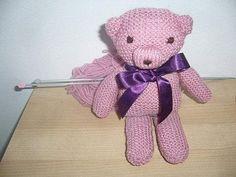 Tricoter un nounours. Yarn Trees, Minis, Christmas Diy, Elsa, Teddy Bear, Make It Yourself, Knitting, Toys, How To Make