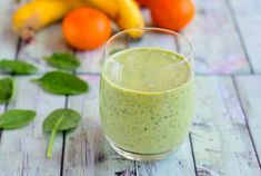 Banana Orange & Spinach Smoothie is a wonderful refreshing smoothie recipe of different fruits pureed along with spinach making it a wholesome and nutritious drink. Have it as a post workout smoothie to replenish your body. Gain Weight Smoothie, Fitness Smoothies, Fruit Smoothies, Healthy Smoothies, Workout Smoothie, Spinach Smoothie Recipes, Blueberry Banana Smoothie, Tea Time Snacks, Easy Delicious Recipes