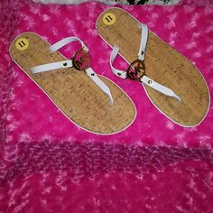 Michael kors slides NWT White slides gold signature front very cute just in time for summer these will sell their selfs??no returns or trades reasonable offers only thanks Michael Kors Shoes Sandals