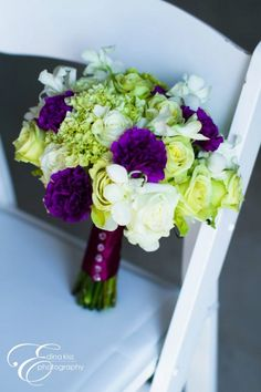Cute bouquet (though I wouldn't do purple, of course)