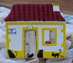 ABruxinhaCoisasGirasdaCarmita: Casa Portuguesa (barro pintado à mão)