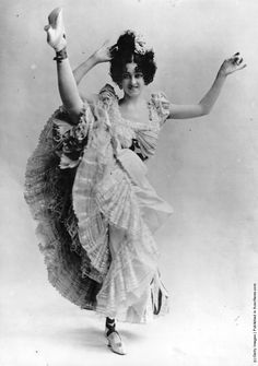 A high-kicking Parisian can-can dancer. (Photo by Hulton Archive/Getty Images). 1895