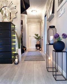 Kristin🇳🇴 (kristingronas) on Somegram • Posts, Videos & Stories #somegram 🍃Happy sunday🍃Vært på lang tur i skogen i dag i det nydelige været🌞Snart kalkun til middag😋😋🍗🍗Nyt dagen💜#hallway#hallwayinspiration #entré #gang#hall #plantstands #lyslykter #cooee #myinterior #inspire_me_home_decor #interior_and_living #passion4interior #interior123 #beautifulhomes #charminghouse #finahem #nordiskstil #norskehjem #gullfjæren#boligpluss #herligehjem #ourluxuryhomes #interior4you1 #instahome…