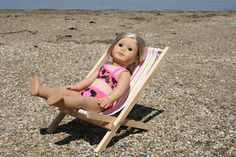Arts and Crafts for your American Girl Doll: Fold-able beach chair for American Girl Doll. but I bet almost any doll / stuffed toy can use it too American Girl Crafts, American Doll Clothes, Girl Doll Clothes, American Dolls, Diy Clothes, Ag Dolls, Girl Dolls, American Girl Furniture, American Girl Accessories