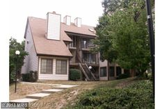 Rare opportunity, affordable Top unit with cathedral ceilings 1 BEDROOM, PLUS DEN AND ONE FULL BATHROOM.
