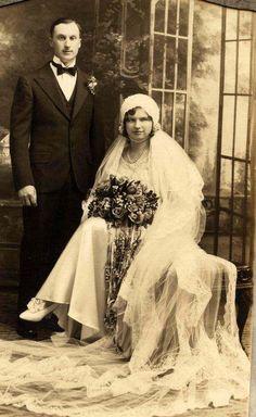 1920s Vintage Wedding photo unique headpiece under chin  #PhotographySerendipity #photography #wedding