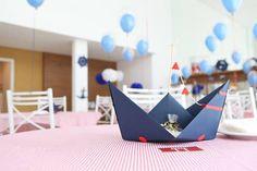 Barco para centro de mesa com bandeirinhas. Ideal para festas com tema maritino Fazemos nas cores desejadas