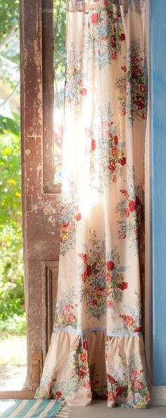 New farmhouse style window treatments shabby chic ideas Window Coverings, Window Treatments, Cottage Style, Farmhouse Style, Fresh Farmhouse, Cottage Farmhouse, Cottage Chic, Cortinas Shabby Chic, Floral Curtains