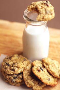 Chewy Oatmeal Raisin Cookies ~ http://www.grandbaby-cakes.com