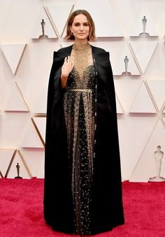 Natalie Portman in Dior Haute Couture and Cartier. Oscars 2020 Red Carpet looks Dior Haute Couture, Vestidos Oscars, Chanel Vestidos, Natalie Portman Oscar, Natalie Portman Style, Celebrity Dresses, Celebrity Style, Celebrity Photos, Vintage Dresses