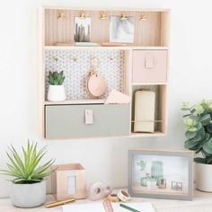 Rose Gold Bedroom Decor to Re-inspire Your Personal Space Cute Room Ideas, Cute Room Decor, Home Office Design, Home Office Decor, Home Decor, Home Office Inspiration, Gold Bedroom Decor, Teen Bedroom Furniture, Rose Bedroom