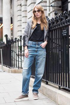 Fiona Jane from Spotding wearing the Lil '85 Indigo Denim http://www.closed.com/Women/Lil-85-Indigo-Denim-closed.html?listtype=search&searchparam=Lil?utm_medium=social&utm_source=pinterest%20&utm_campaign=Archive85