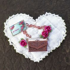 Handmade Upcycled Vintage Quilt Brooch / Broach / Pin, Heart / Heart Shaped, Pink Roses, Je t'aime, I Love You, Valentine for Valentine's Day