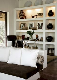 Afrocentric Style Decor   Design Centered On African Influenced Elements    Bookshelf