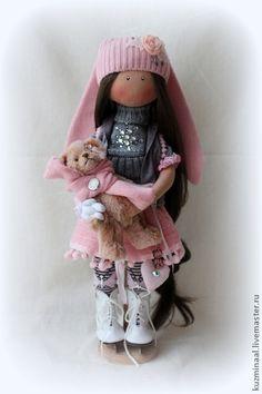 Коллекционные куклы ручной работы. Ярмарка Мастеров - ручная работа Текстильная кукла KAYLIE. Handmade. Raggy Dolls, Felt Dolls, Doll Toys, Dolly World, Cute Toys, New Pins, Plushies, Kids Toys, Doll Clothes