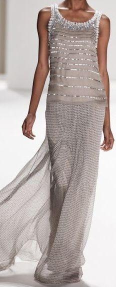 Sophisticated Style| Serafini Amelia| Designer dress-Carolina Herrera