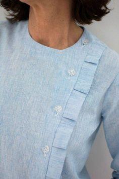 Modifying the blouse Scarlett pattern {Site in French} Kurta Designs, Blouse Designs, Designer Wear, Designer Dresses, Sewing Blouses, Women's Blouses, Kurta Neck Design, Scarlett, Fashion Details