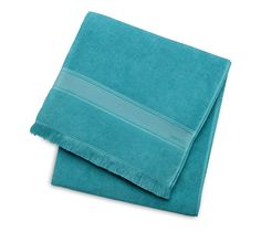 """Yachting PM Yachting beach towel in horizon blue/ice blue.100% cotton.Measures 37.4"""" x 55"""""""