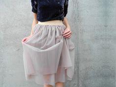 Du findest Röcke aus Tüll, Organza und Chiffon genauso toll wie wir? Dann zeigt Dir Nina, wie Du diesen Rock - á la Carry Bradshaw - selber nähen kannst.