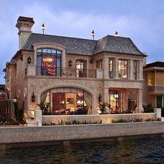"""""""Such a cute house! """""""