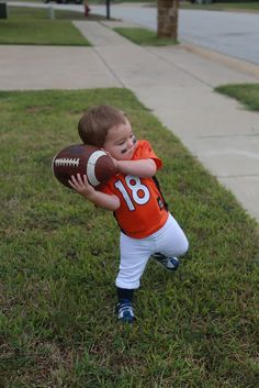 Toddler Halloween Costume DIY Football Player Broncos Payton Manning with DIY Pads football player costume Toddler Football Costume, Football Player Halloween Costume, Toddler Boy Halloween Costumes, Halloween Costumes To Make, Halloween 2015, Halloween Makeup, Halloween Ideas, Toddler Sports, Popular Costumes
