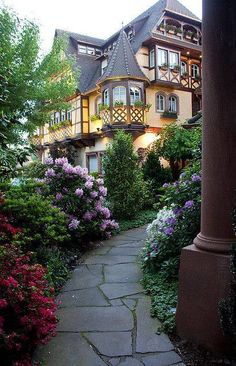 Obernai commune in the Bas-Rhin department in Alsace in north-eastern France. It lies on the eastern slopes of the Vosges mountains. Beautiful World, Beautiful Homes, Beautiful Places, House Beautiful, Beautiful Park, Simply Beautiful, Amazing Places, Beautiful Pictures, Parc Hotel