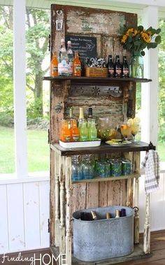 I would love to set up a bar like this in a tree house or on a rustic porch!