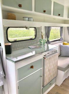 Retro Caravan, Diy Caravan, Vintage Caravan Interiors, Vintage Caravans, Caravan Ideas, Camper Ideas, Vintage Trailers, Diy Camper, Vintage Rv