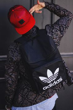 Learn how to dress up in streetwear clothing