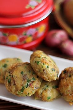 Perkedel (adopted from Frikadeller) - Indonesian Potato Patties. Frikadeller is also known in Indonesian cuisine through Dutch cuisine influence and called perkedel, however the ingredients is not meat, but mostly fried mashed potato patties, sometimes Indian Food Recipes, Asian Recipes, Vegetarian Recipes, Cooking Recipes, Healthy Recipes, Indonesian Food, Indonesian Recipes, Malaysian Food, Asian Cooking