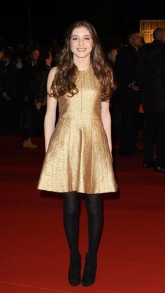 Birdy shines in her golden dress, as always.